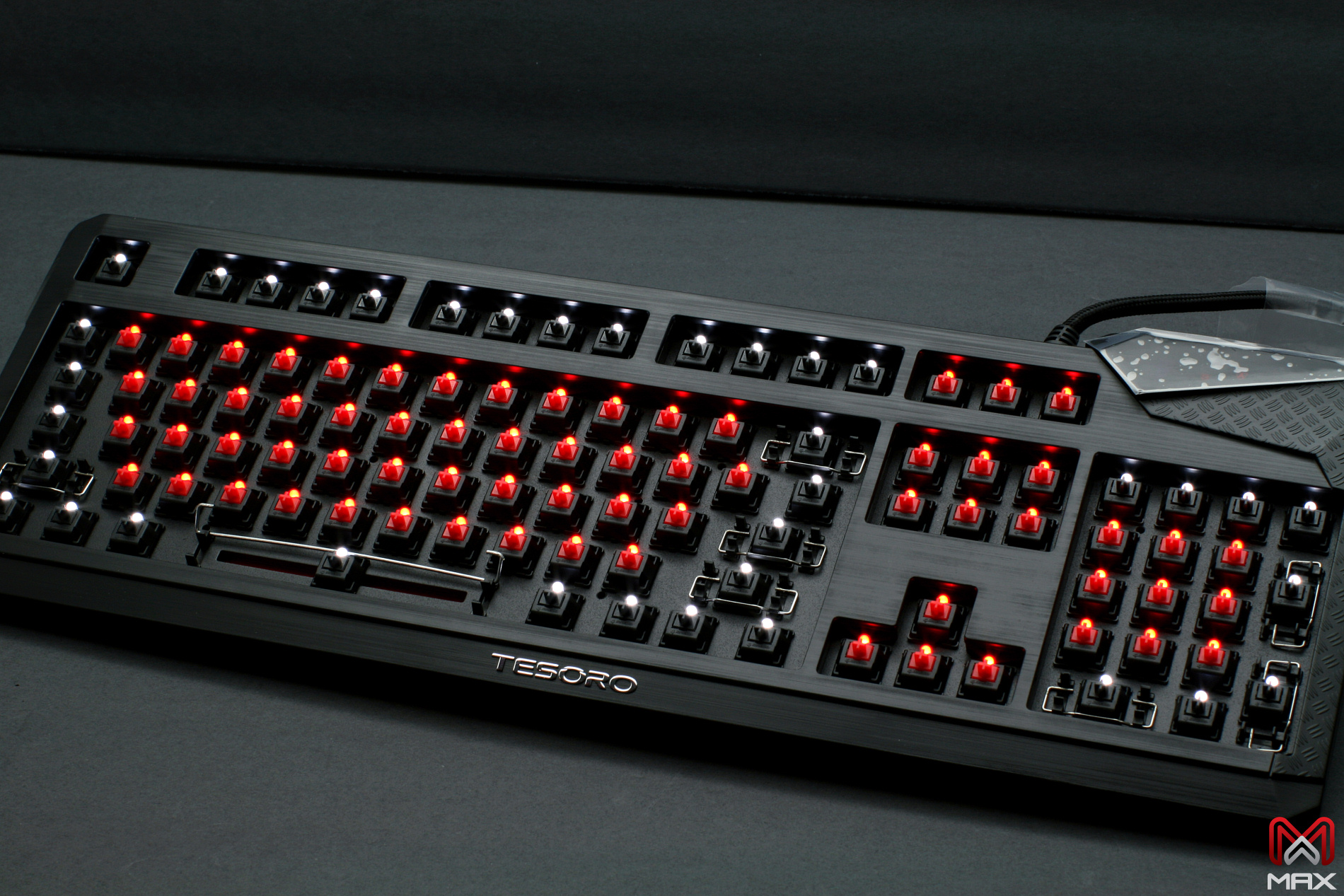 Max Keyboard Tesoro Durandal eSport Edition Backlit Mechanical Keyboard