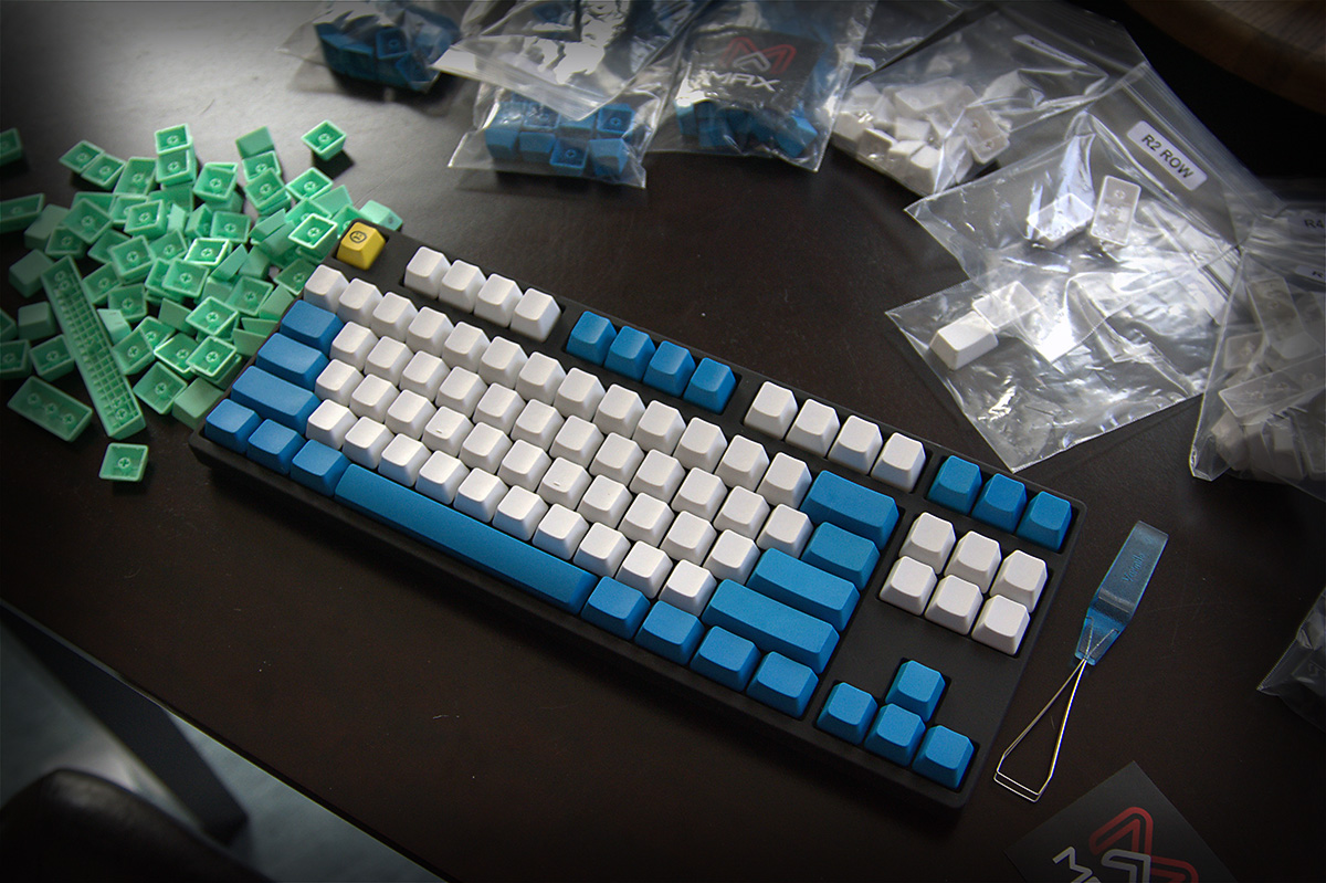 Max PBT 104-key Cherry MX Keycap Set