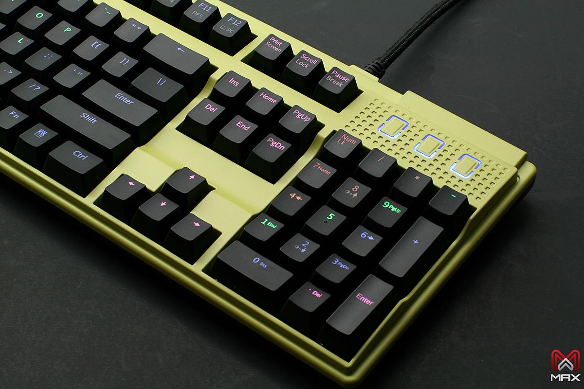 Max Keyboard Custom Nighthawk X7 Backlit Mechanical keyboard